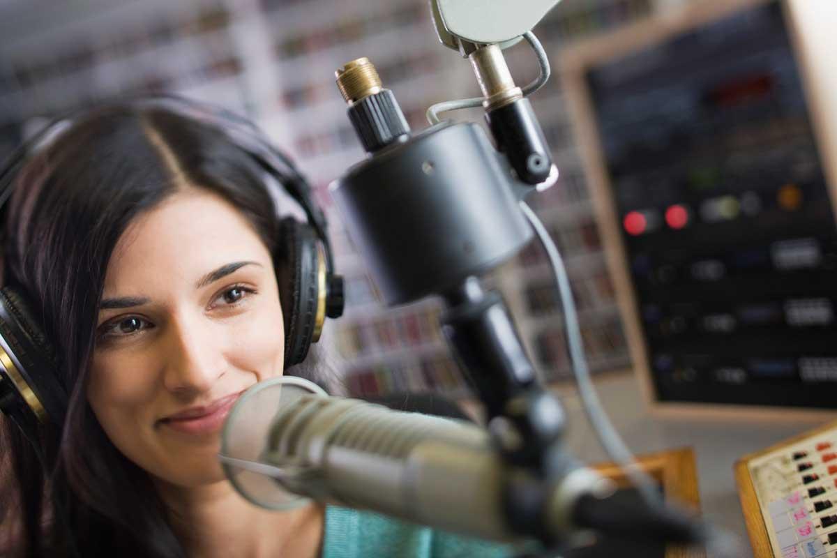 SOM. School Of Media объявляет набор в Летнюю школу журналистики!